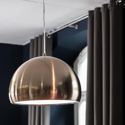 Vorhänge - In den meisten Räumen ist Bedarf an Vorhängen, selbst wenn dieser dem Raum nur einen Rahmen gibt. Individuallösungen von Stoffwerk. Licht - Licht ist in einem Raum genauso erheblich, wie Textilien. Stoffwerk hat immer eine Idee, oder Lösung.