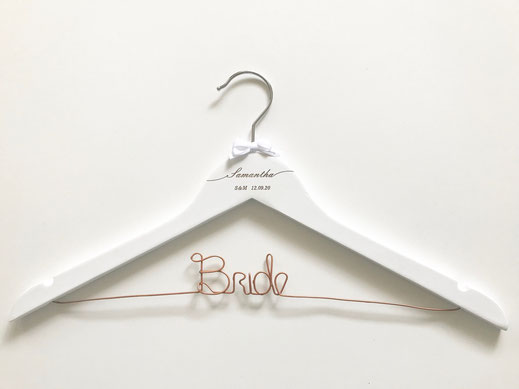 Engraved wired hanger in white
