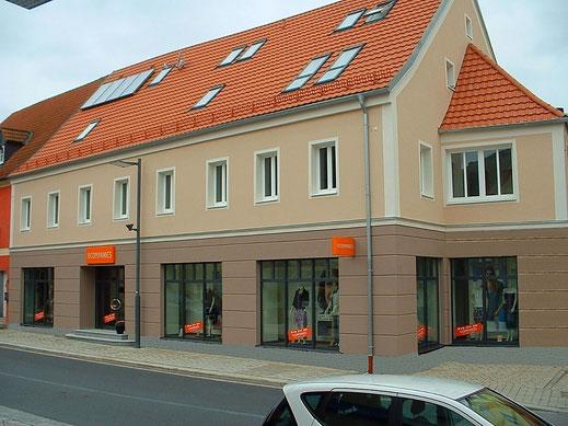 Nutzungsänderung Umbau Sanierung des ehemaligen Lösl Gebäudes Nachher Modehaus Nittenau