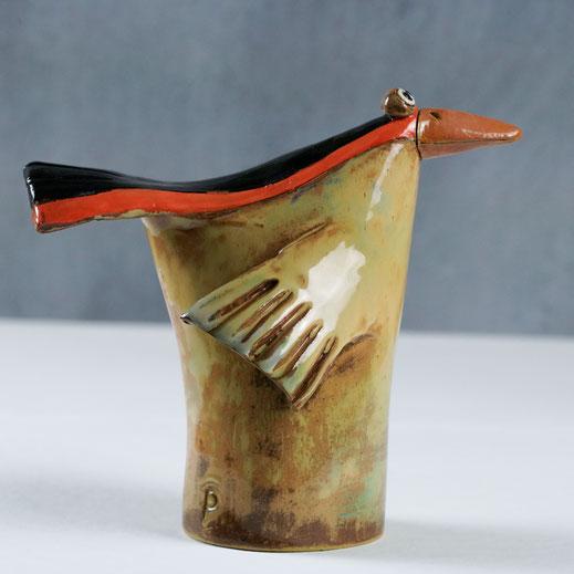 Keramikvogel mit roten Streifen