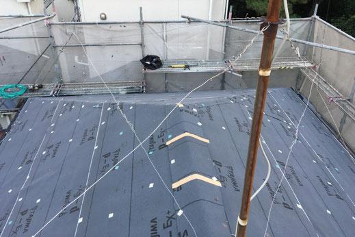 屋根の葺き替え・張り替えの様子|大宮の雨漏り修理工事