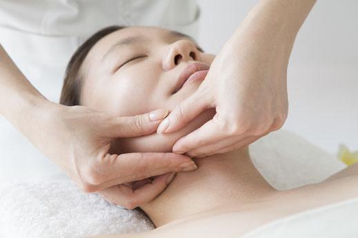 Eva-Maria Blanke, Praxis für Klang- und Energiebalance, Kieferbalance, Kopfschmerzen, Verspannung im Schulter-Nacken-Bereich, Verspannte Kiefermuskulatur