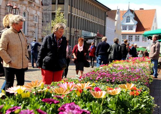 Wochemarkt Heide: samstags von 6.00 Uhr bis 13.00 Uhr