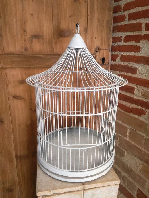 la cage oiseau blanche, pour une urne ou en déco: hauteur 48cm,  location decoration mariage vintage champetre le mans sarthe m'elledecors