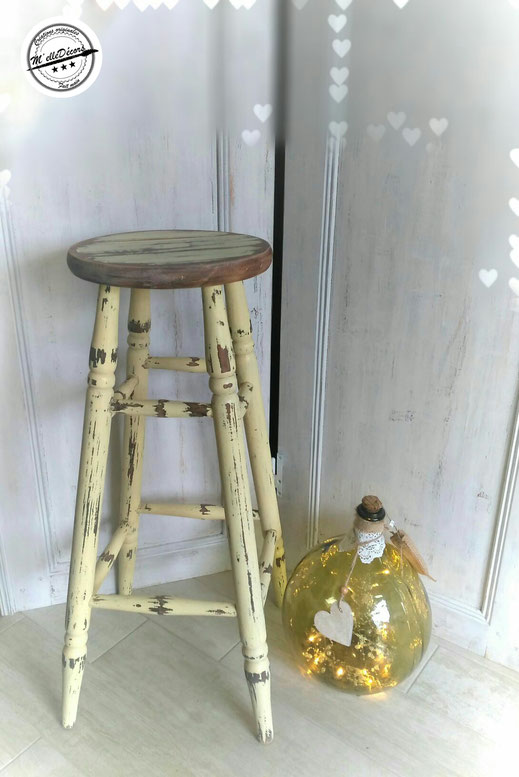 relooking de meuble tabouret de bar bois dans son jus vieilli beige le mans sarthe
