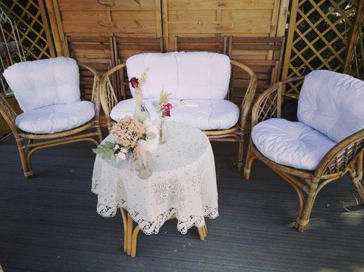 Salon en rotin, canapé et 2 fauteuils, peuvent être loués séparément, Tarif location: canapé 40€, 2 fauteuils 50€  Caution: canapé 80€, 2 fauteuils 80€