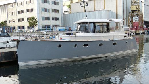 Modernes, seetüchtiges und treibstoffsparendes Verdränger-Motorboot IC39