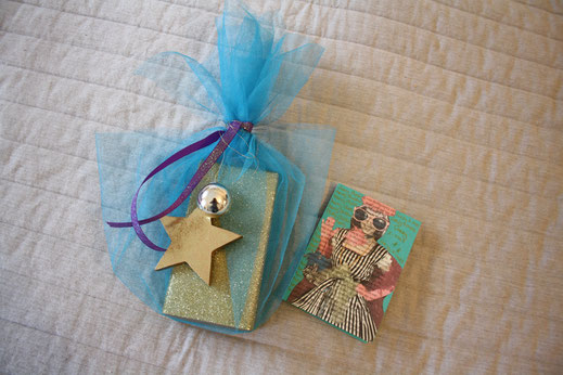 weihnachtskarten aus buchseiten selber machen caballo. Black Bedroom Furniture Sets. Home Design Ideas