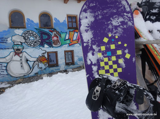 Snowboard upcycling; Pimp up your Snowboard; Snowboard mit Folie bekleben; Caballo Couture
