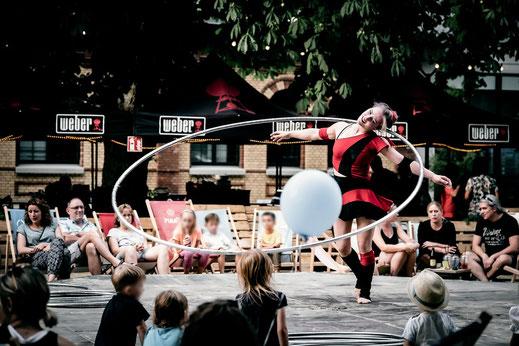 Hula Hoop Tanz
