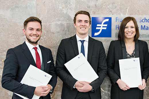 Die Jahrgangsbesten v.l.n.r.: Florian Härning, Christopher Schaumlöffel, Christin Nitsche,
