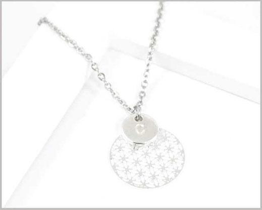 Edelstahl Kette mit kleiner  Blume des Lebens  und Buchstaben nach Wunsch  16,90 €