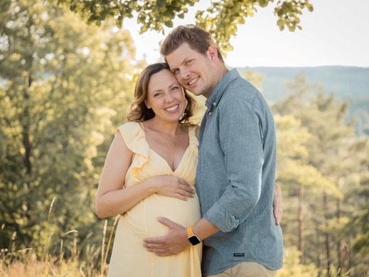 Schwangerschaftsbilder,Babybauchbilder,Babybilder,Babyfotos,Babyfotograf,Annette Hofmann Fotografie,Pegnitz,Bayreuth,Fraenkische Schweiz,Nuernberg