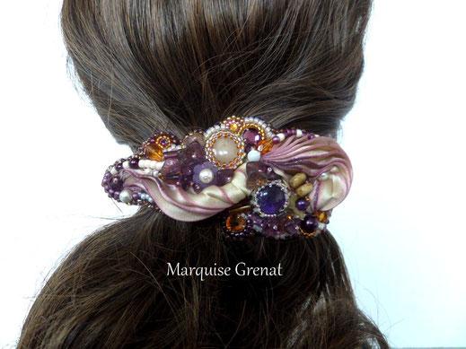 photo-barrette-brodee-sur-soie-shibori-prune-ivoire-topaze-avec-cabochons-gemme-cristaux-swarovski