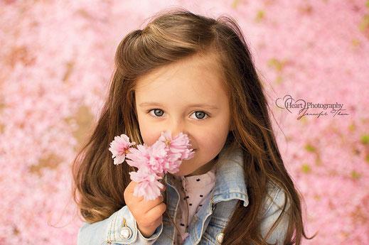Kinderfotografie, Outdoorshooting, Kirschblütenshooting, Kirschbaumblüte, Kinder, Portrait, Kindershooting