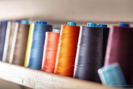 textile_bobines_fil_couture_differentes_couleur