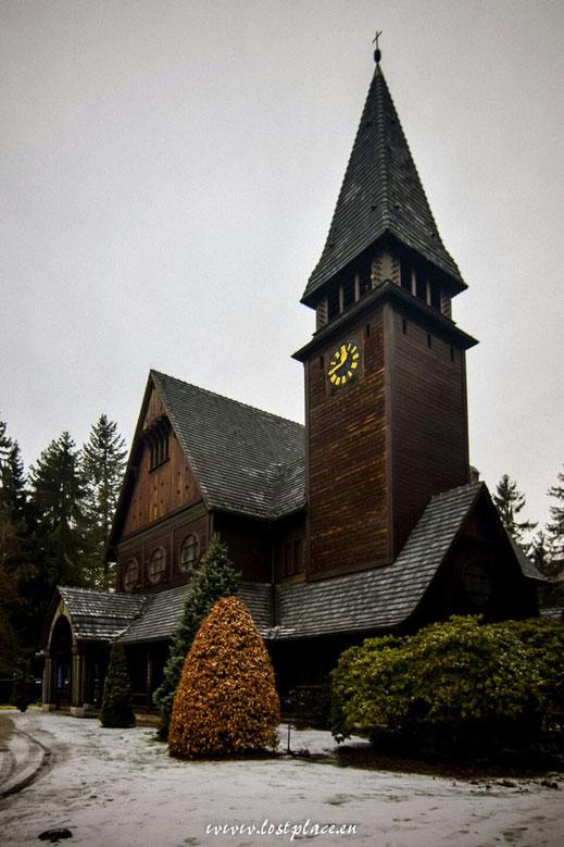 Die Stabkirche auf dem Südwestkirchhof