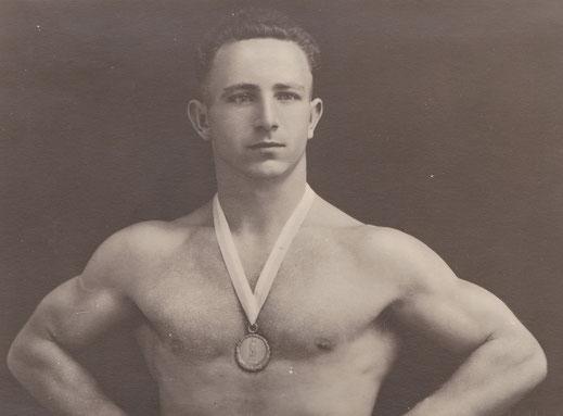 Ernst Kolb 1934 mit dem 3. Platz bei der EM in Paris