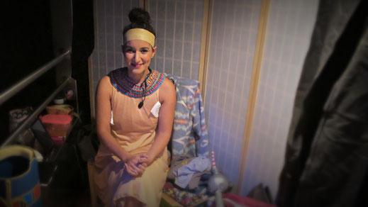 Nadine da Cruz Oliveira: Vor dem Auftritt als Nofretete