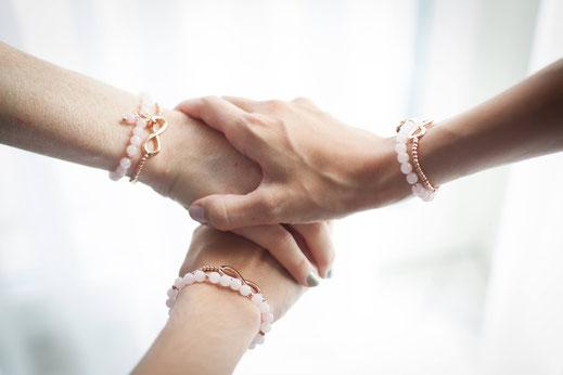 halbedelstein schmuck chouette armband rosenquarz armband freundschaft unendlichkeit herz