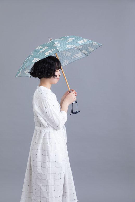 大森商店×ムラタトモコ  日傘 photo by Kenji agata