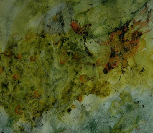 de kleuren van deze aquarel zijn groen geel en oranje. Er zijn veel kleine symbolen als een soort beeldverhaal te zien, appels in een boom, een vrouw met kind, een vuurvogel...