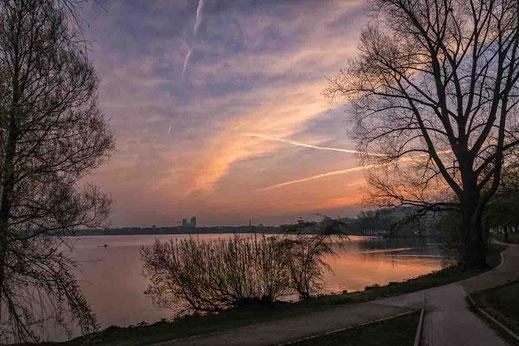 Sonnenaufgang Aussenalster Weg Hamburg