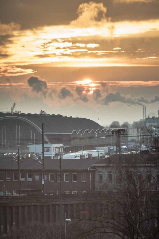 Sonne Wolken Morgenlicht Dampf Hamburg Oberhafen