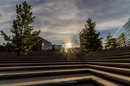 Magellan-Terrassen Hamburg  - Der Sonne entgegen