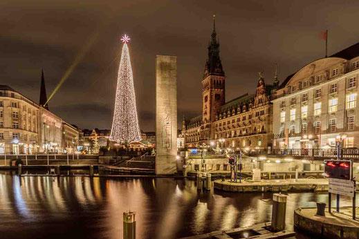 Hamburg Rathausschleuse Weihnachtsmarkt Spiegelung Wasser