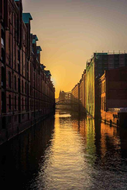 Speicherstadt Sonnenaufgang Sanierung Gebäude Weltkulturerbe