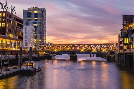 Schiff Anleger Maritimes Museum Brücke Sonnenaufgang Hamburg