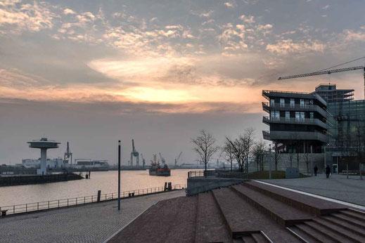 Hafencity Universität Sonnenuntergang Hamburg Treppen Hafen