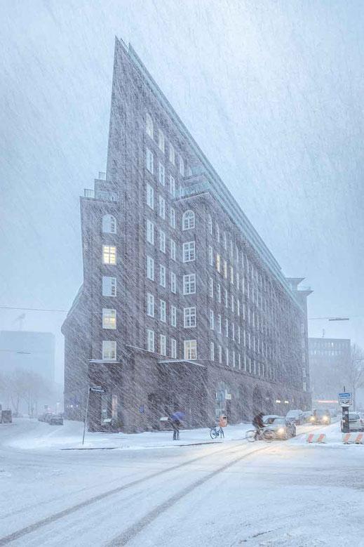 Chilehaus Schneetreiben Schneefall Hamburg Winter Eis