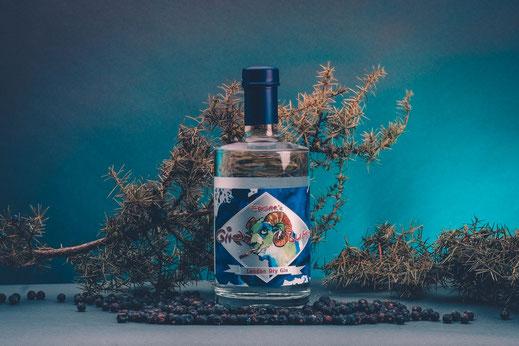 Edgars London Dry Gin, Gin Bumm, mit Wacholderbeeren