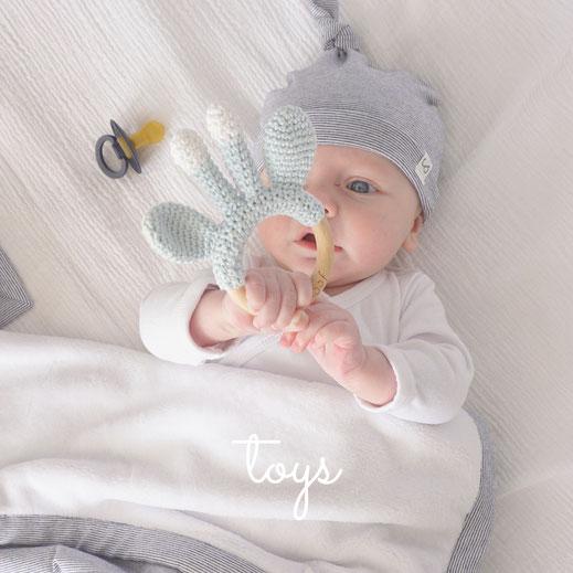 rammelaar baby speelgoed veilig speelgoed bijtring knuffeldoekje knuffelpopje
