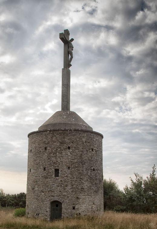 Windmühle mit Kreuz obendrauf