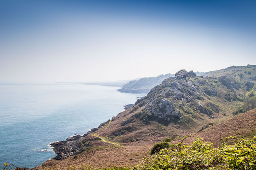 Schroffe Küste im Osten des Cotentin bei Gruchy