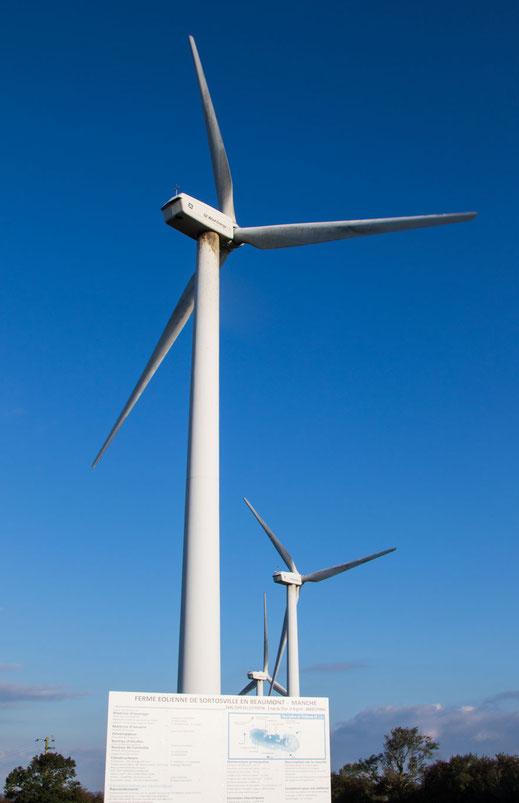 Ein Windrad im Windpark von SDortosville-en-Beaumont auf dem Cotentin.