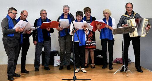 La chorale du club de Torcé avec Joseph Péan
