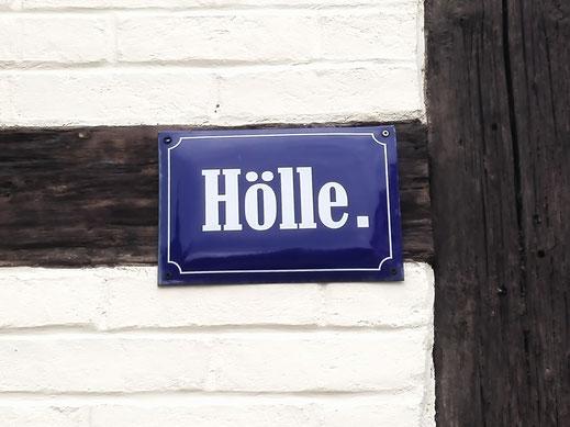 Namensgebend: Die Straße Hölle