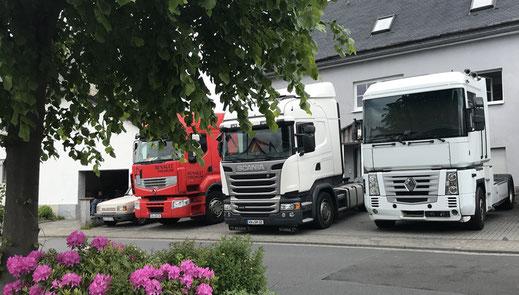 Sattelzüge der Spedition Gerhard Hölzemann Transporte aus Rehe im Westerwald