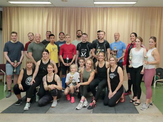 """""""Starke"""" Teilnehmerinnen und Teilnehmer der 1. internen Weightlifting Competition des ASC Zeilsheim"""