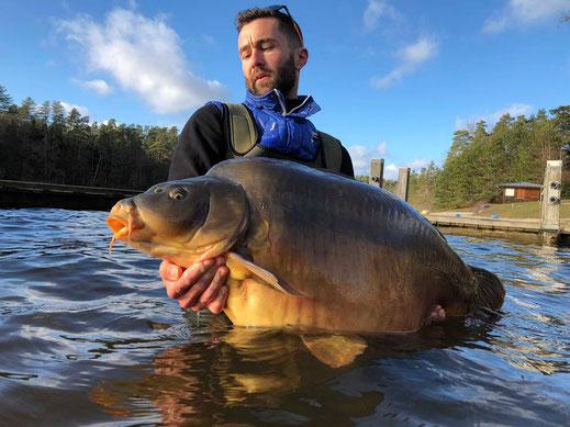 carpe record de l'étang de Ruffaud