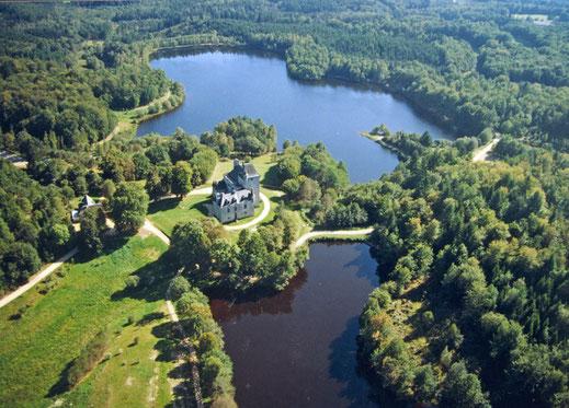 domaine de Sédières, le château et l'étang