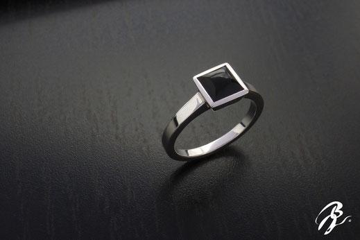 anillo onix cuadrado