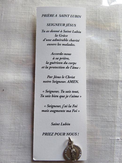 Prière et médaille en l'Église de Gourfaleur Manche