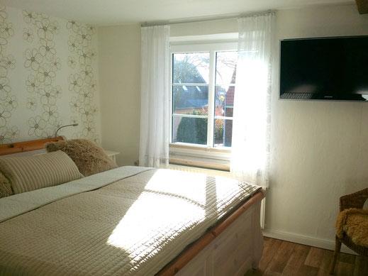 Master Schlafzimmer mit Sat-TV im OG
