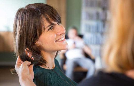 Haarglück, Friseur, Ludwigsburg, Poppenweiler, Nadja Peglow, Haare, Friseursalon, Styling, Färben, Schneiden, frisieren, Haarschnitt, Hairstyle, Haarstil, Frisuren, Friseursalon, pexels
