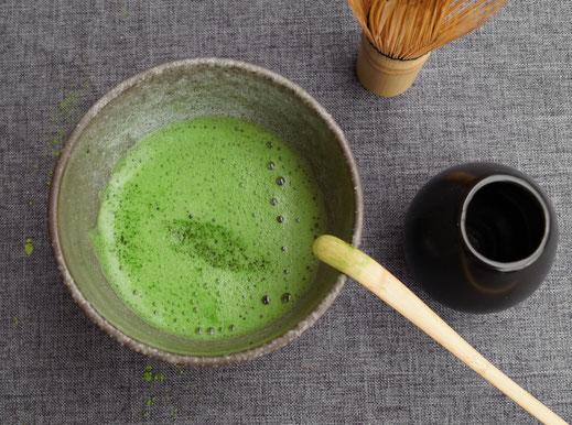 Bild: Matcha Tee zubereitet